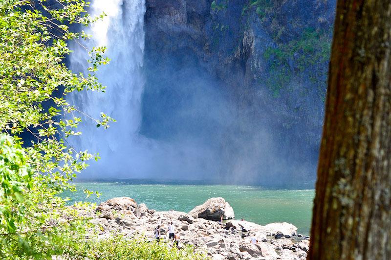 summer hikes in washington snoqualmie falls