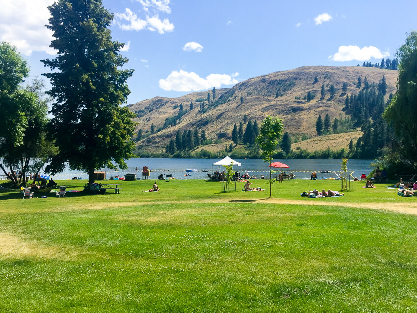 How to Spend a Weekend in Winthrop pearrygin lake