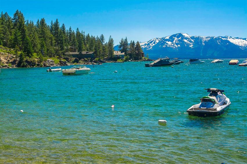 summer in lake tahoe boating