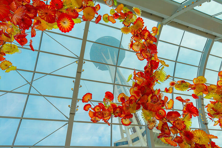 instagrammable spots in seattle chihuly space needle