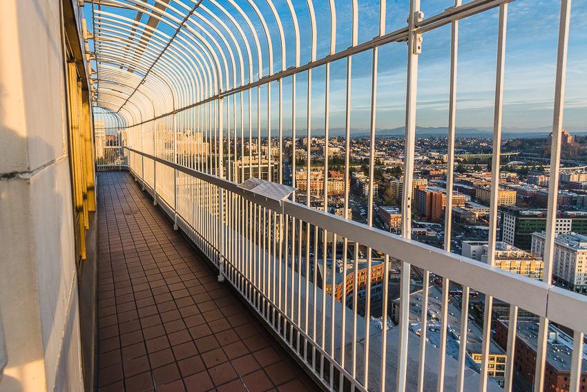 instagrammable spots in seattle smith tower deck