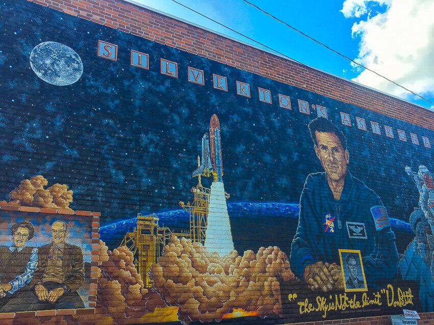 silverton oregon murals