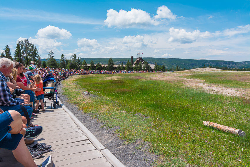 crowds things to know before visiting yellowstone