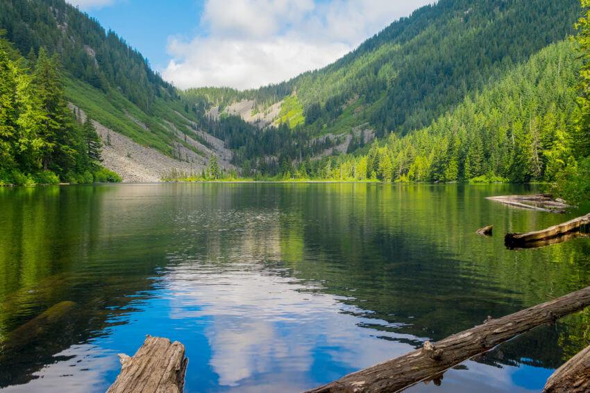 seattle hikes lake