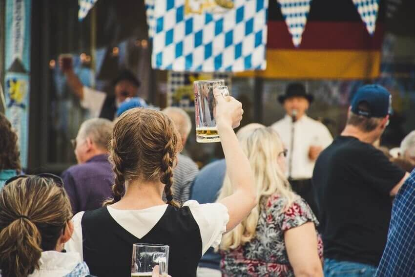 seattle oktoberfest music