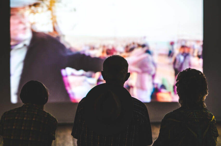 outdoor movie cheap things to do in seattle