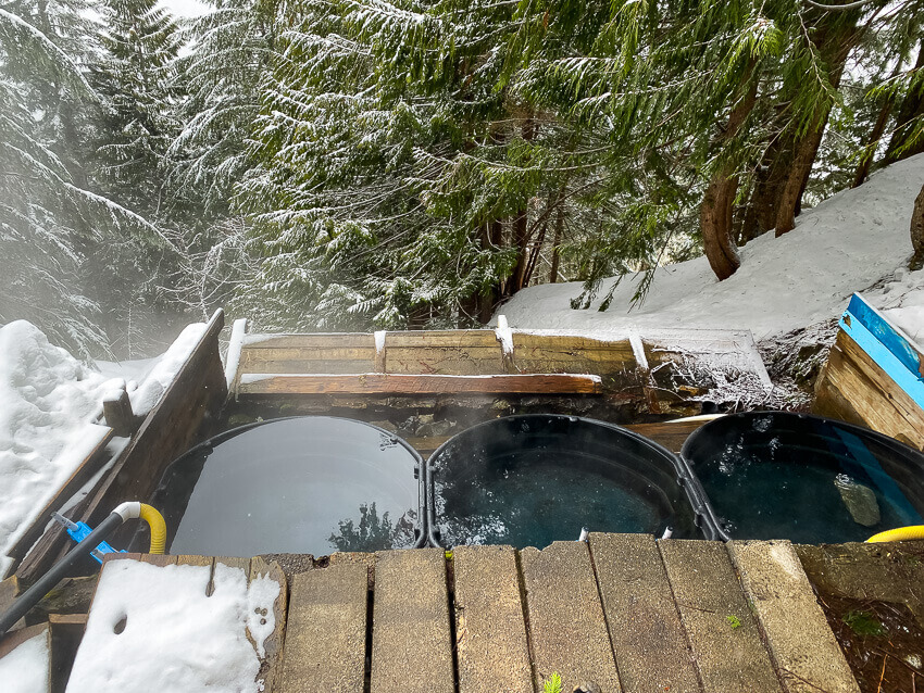 scenic hot springs tubs