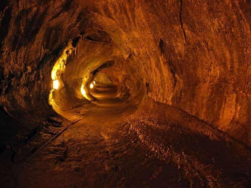lava tube hawaii