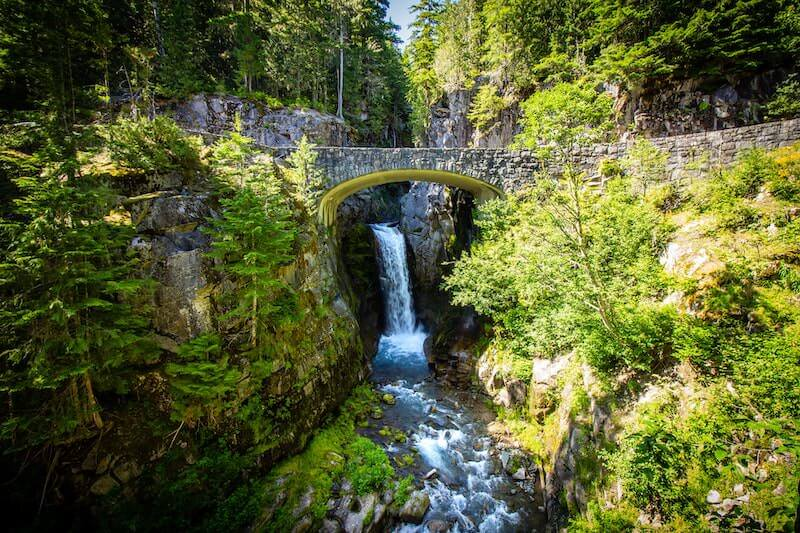 waterfall hikes near seattle