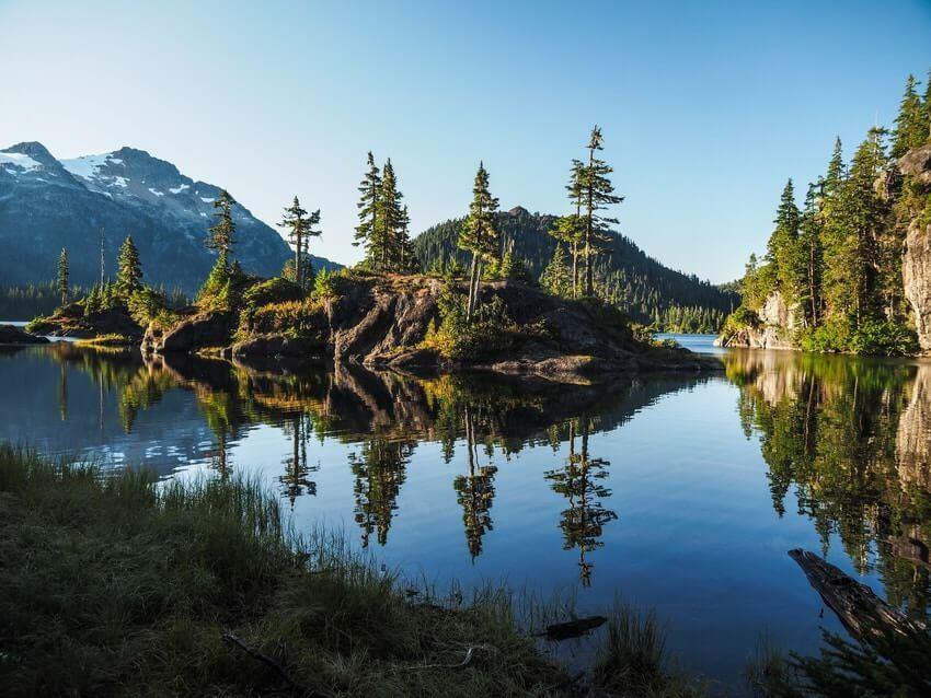 Vancouver Island Park Lake