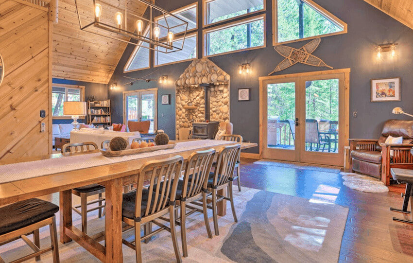 Modern Alpine Cabin with Hot Tub & Game Room